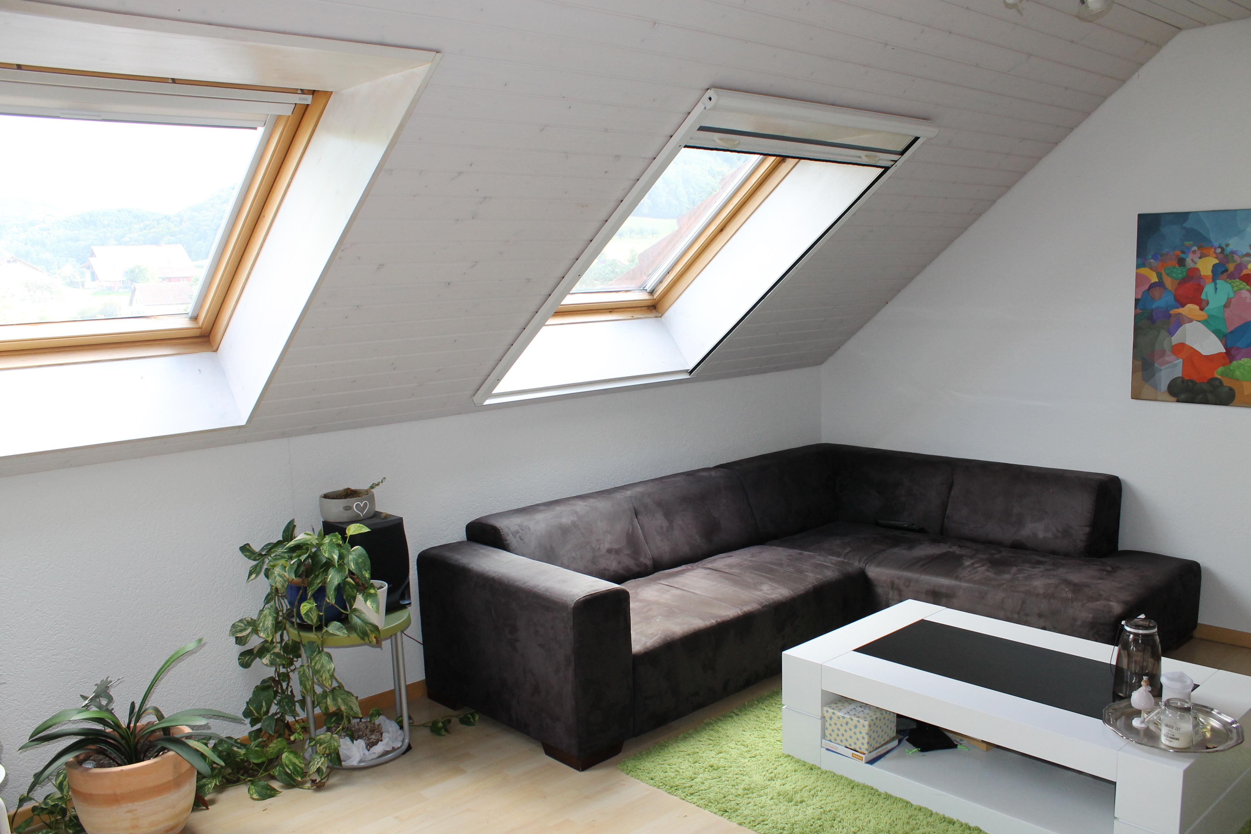 Miete: helle Dachwohnung in Gipf