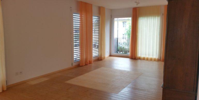 Miete: grosse Wohnung mit grosser Terrasse
